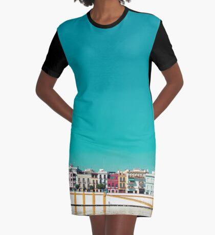 Triana, die Schöne T-Shirt Kleid