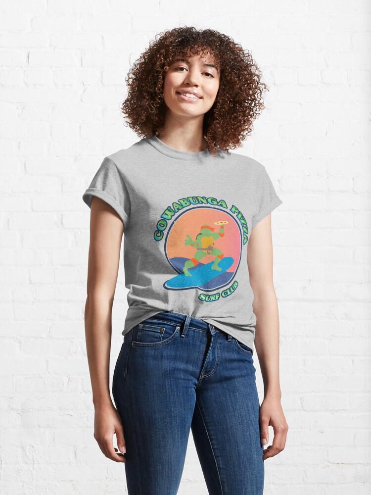 Vista alternativa de Camiseta clásica COWABUNGA PIZZA SURF CLUB