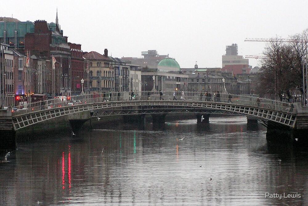 Ha'Penny Bridge, Dublin, Ireland  by Patty Boyte