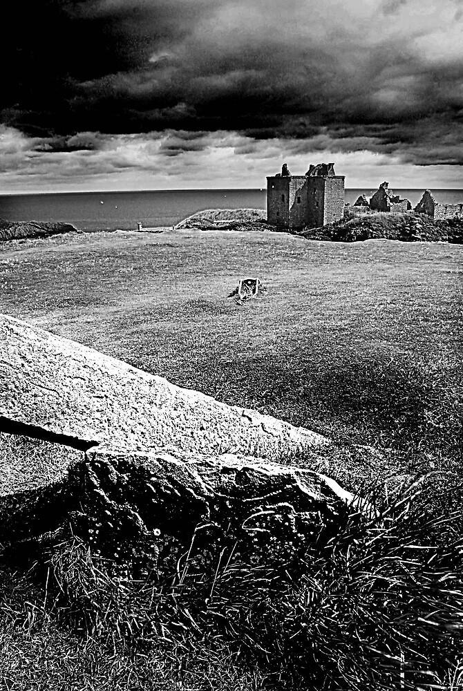 Dunottar Castle by milton