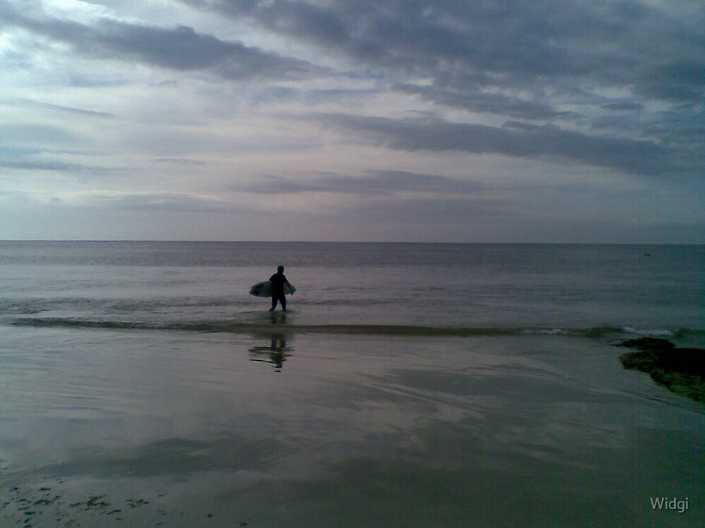 Morning surf. by Widgi