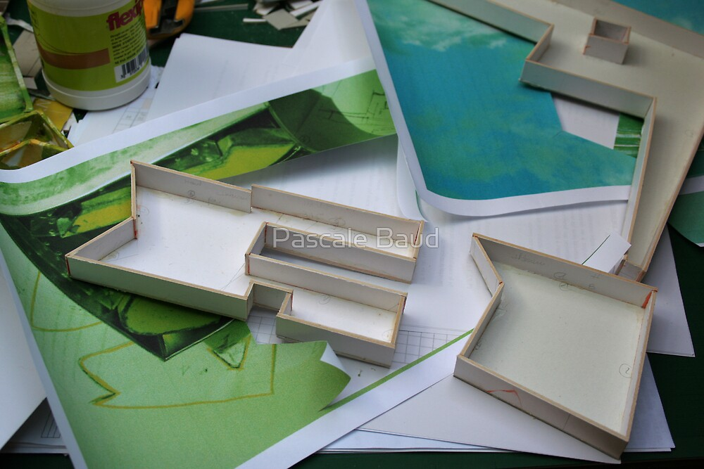 Building's games - 2007-04-21 - (01) by Pascale Baud