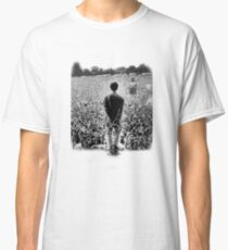 OASIS AT KNEBWORTH - posterized image. ICONIC Classic T-Shirt