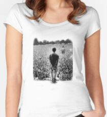 OASIS AT KNEBWORTH - posterized image. ICONIC Women's Fitted Scoop T-Shirt