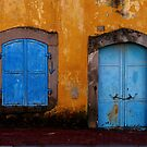 Blue on golden yellow, Bergama by culturequest