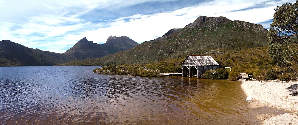 Dove Lake and Cradle Mountain by INOM