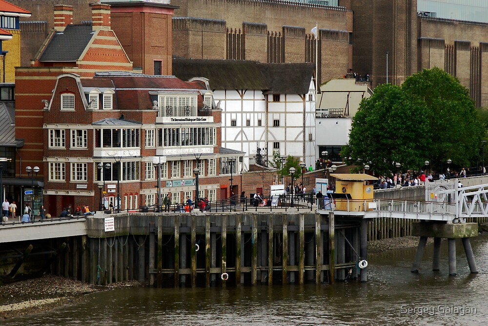 Shakespeare Globe Centre in London by Sergey Galagan