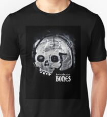 BROKEN BLACK Unisex T-Shirt