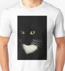 Just Sitting Pretty... Unisex T-Shirt