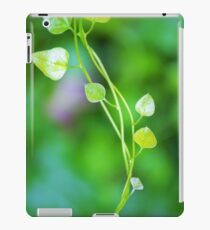 Cute Little Leaves on Intertwining vines  iPad Case/Skin