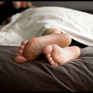 Bedroom Feet by xploit