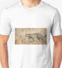 Panthera pardus Unisex T-Shirt
