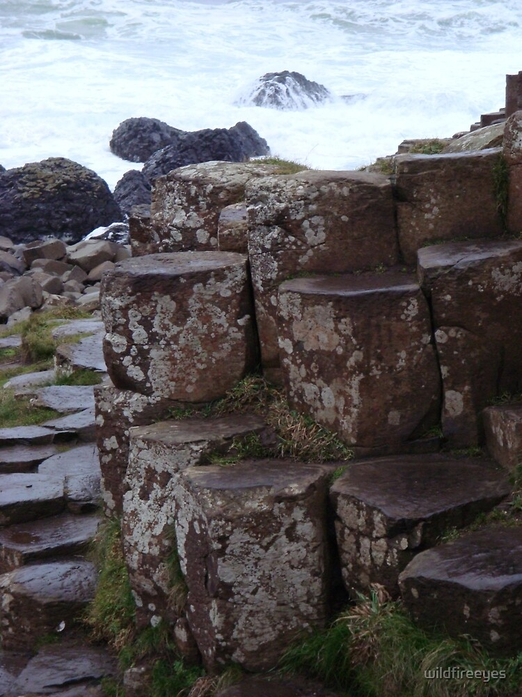 Giant's Causeway  by wildfireeyes