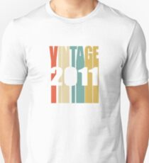 Vintage 2011 Birthday Retro Design  Unisex T-Shirt