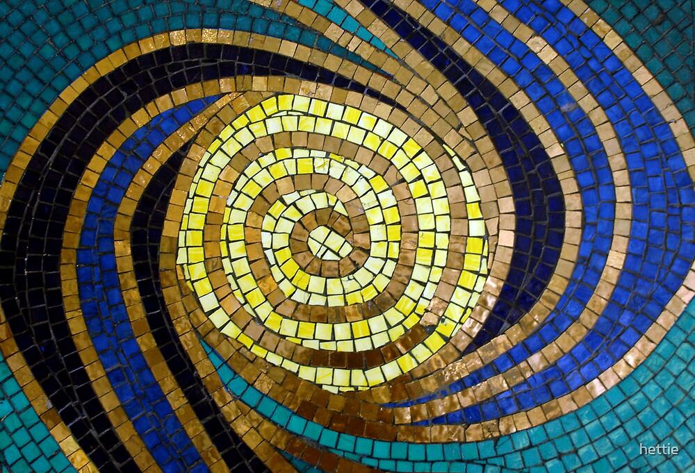 mosaic swirl by hettie