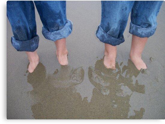 Beach Twins by sailgirl
