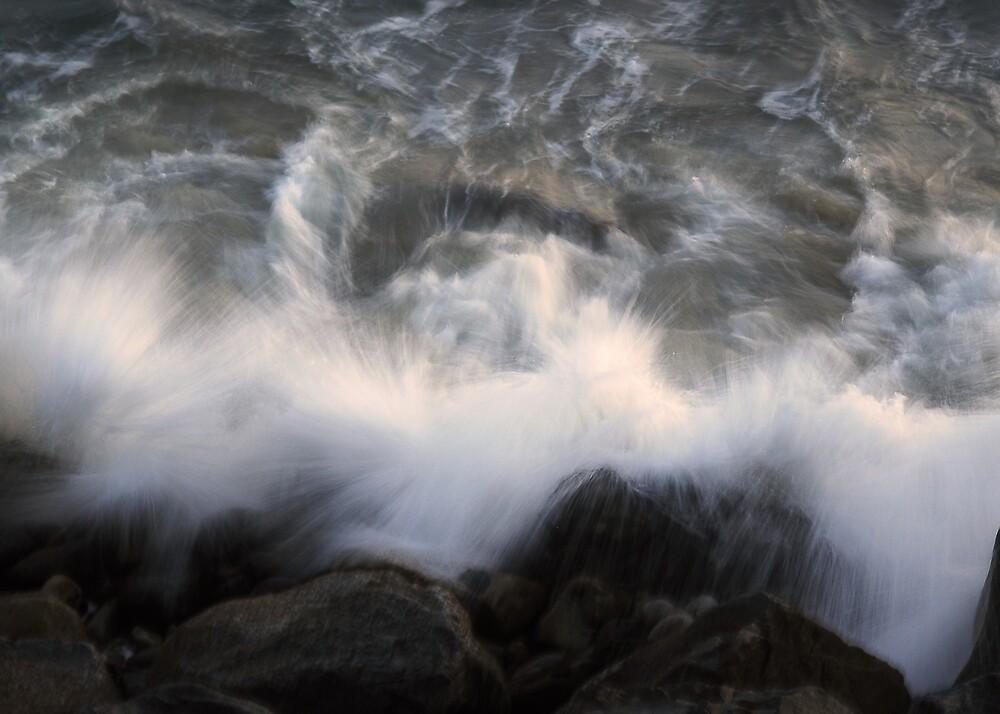 Crashing Wave by Mariann Kovats