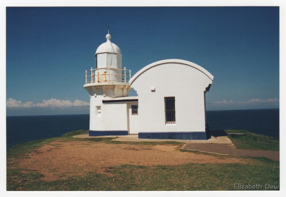 Port Macquarie Lighthouse. Tacking Point by Elizabeth  Dew