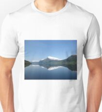 Jølstravatnet in Sogn og Fjordane, Norway T-Shirt