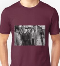 new finition 2017 On the Way to M.Cartier Bresson Paris 1975 24 (b&n)(t) by Olao-Olavia par Okaio Création T-Shirt