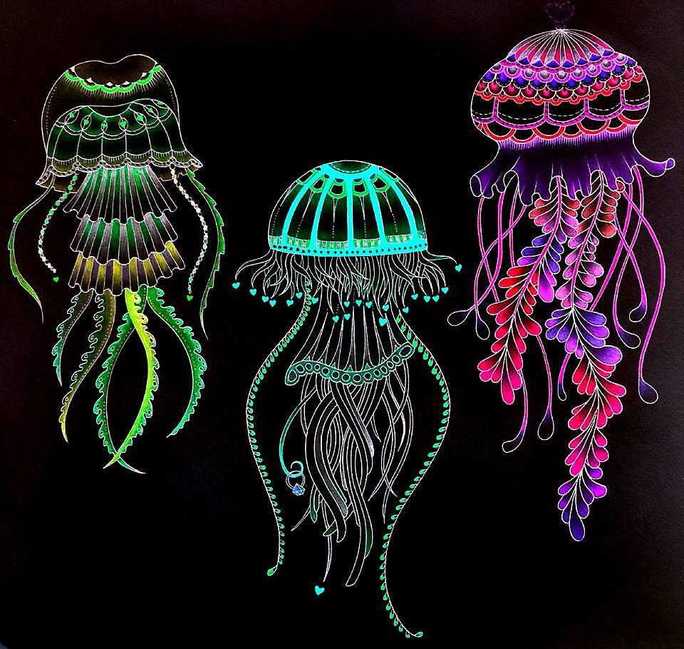 Night glowing jellyfish by mintmoon