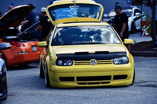 VW by MarkMitrulescu