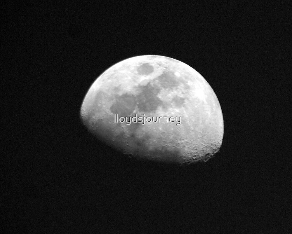 tha moon by lloydsjourney