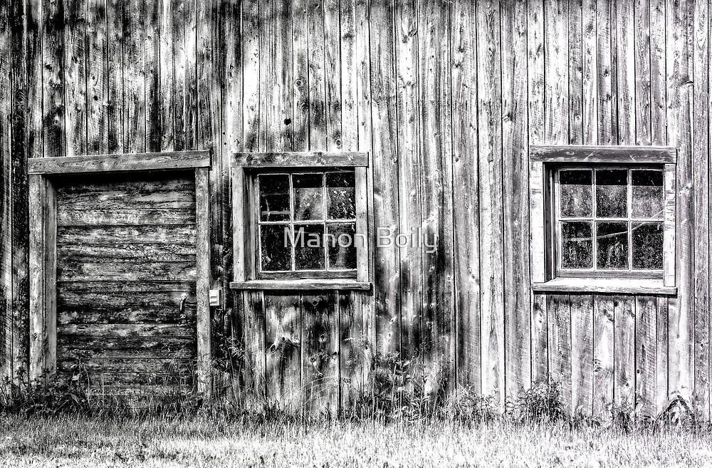 Little barn by Manon Boily