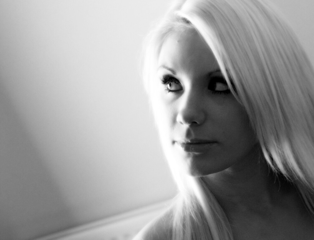 emma louise 2 by micbmanagement
