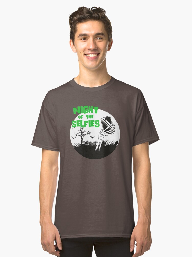 Night of the selfies Classic T-Shirt Front