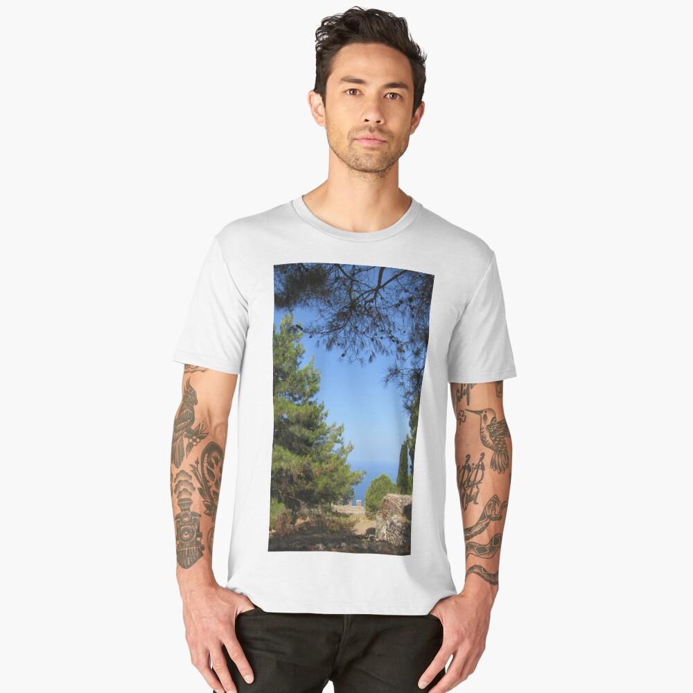 Pine tree, sea and sky landsape Men's Premium T-Shirt Front