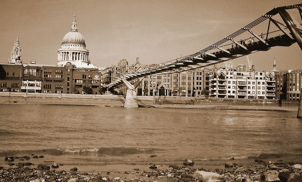 St Pauls and Bridge  by waylie23