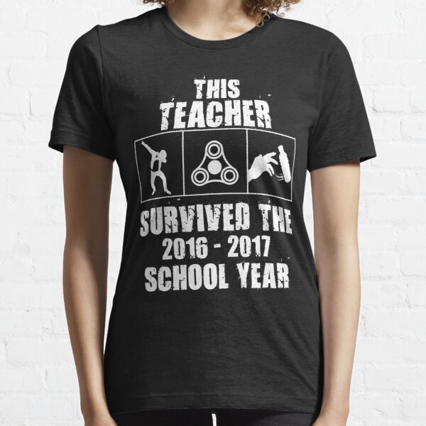 This Teacher Survived the 2016-2017 School Year Essential T-Shirt