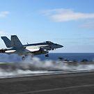 Eine F / A-18E Superhornet katapultiert sich vom Flugzeugträger USS Ronald Reagan. von StocktrekImages