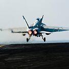 Eine F / A-18F Superhornet startet vom Flugdeck der USS John C. Stennis. von StocktrekImages