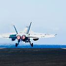 Eine F / A-18E Superhornet startet vom Flugdeck der USS John C. Stennis. von StocktrekImages