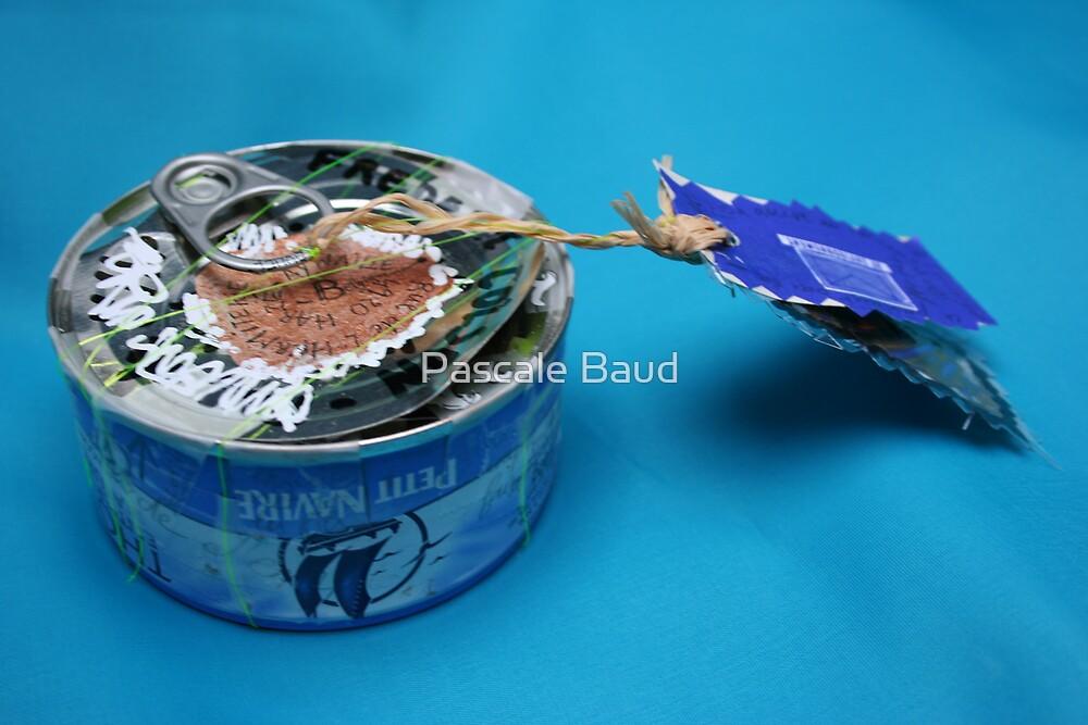 Mail art = Tuna Box, Tuna Book ! by Pascale Baud