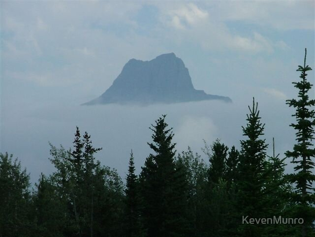 Floating Mountain by KevenMunro