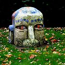 08 - MOSAIC STATUE OUTSIDE WREXHAM LIBRARY - 02 (D.E. 2007) by BLYTHPHOTO
