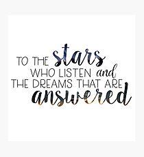 Wer Listen To The Stars - Sarah J. Maas Fotodruck