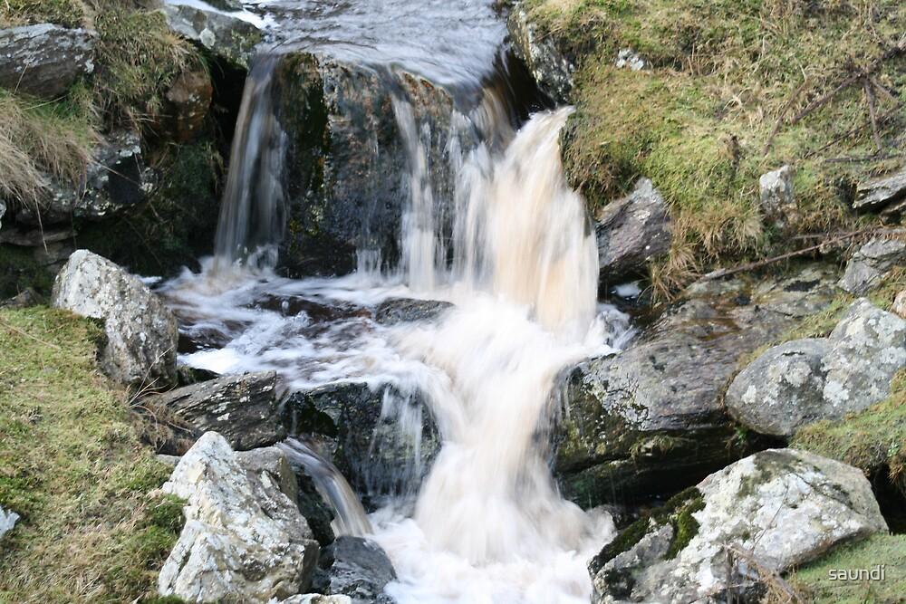Flowing water by saundi