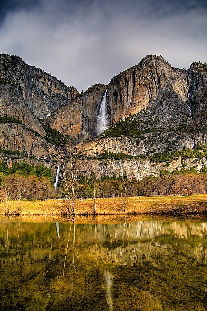 Yosemite Falls by steverobles
