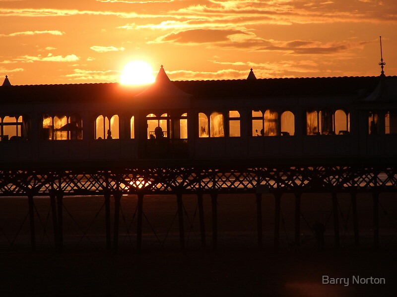 Sunset over St Annes Pier by Barry Norton