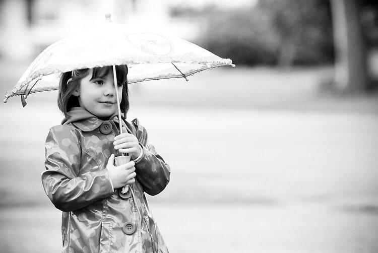 Sweetie in the Rain by missmunchy
