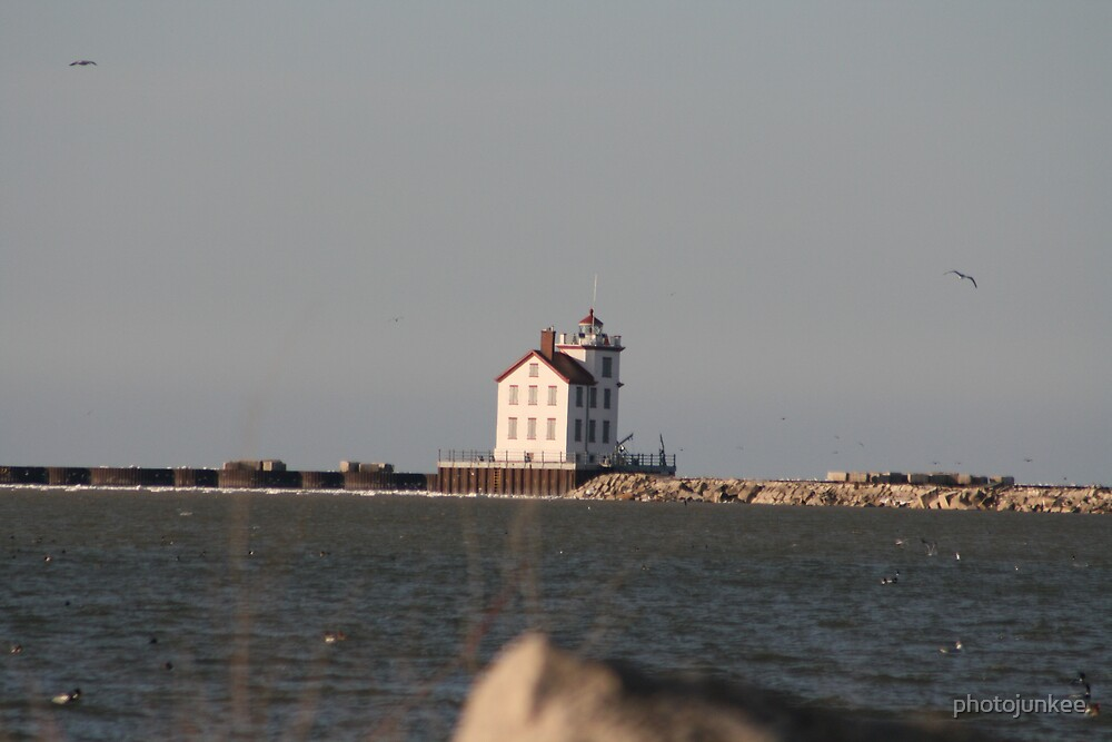 Lorain Lighthouse by photojunkee