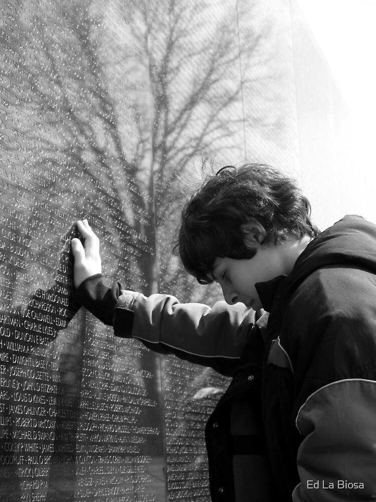 Veiteman War Memorial by labiosa