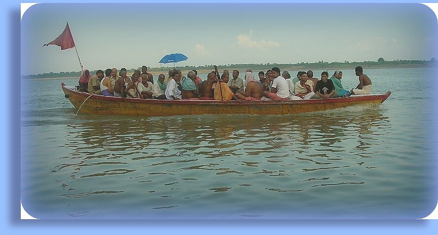 A boatful of people by nisheedhi