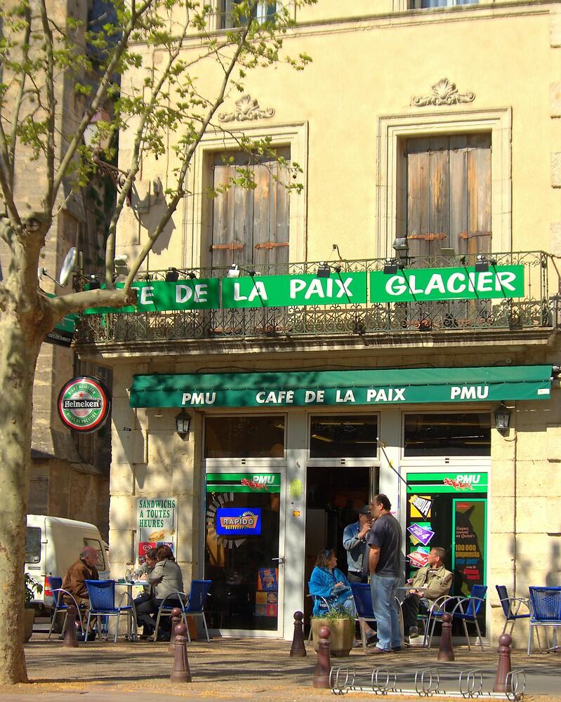 Cafe' de la Paix by John Thurgood