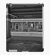 Train Station in Goulburn/NSW/Australia (10) iPad Case/Skin