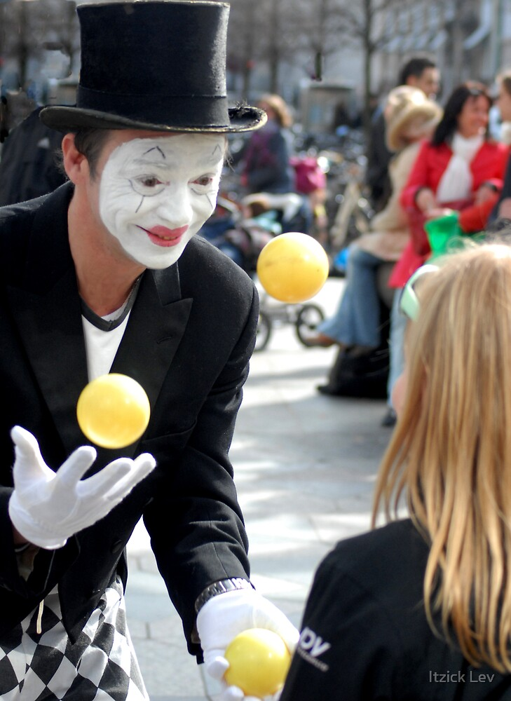 The Clown  by Itzick Lev